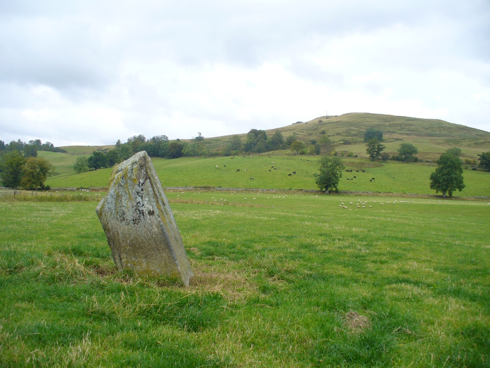 Witches Stone, looking NE past Milquhanzie Hill fort